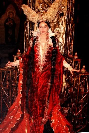 Zlá královna - Monika Bellucci