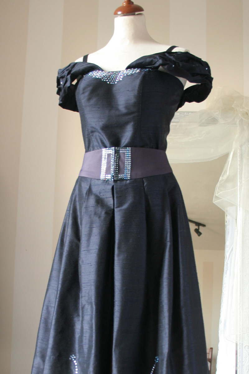 Společenské dlouhé šaty - miliKraus 61a0df1d62